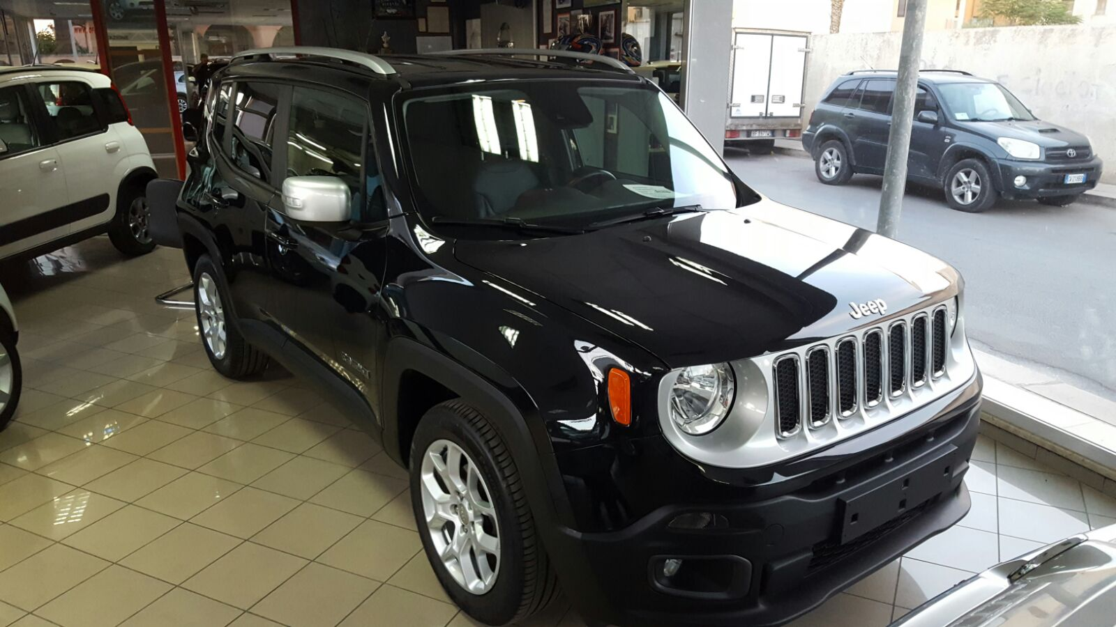 auto expo mazara jeep renegade limited 1 6 mjet 120cv. Black Bedroom Furniture Sets. Home Design Ideas